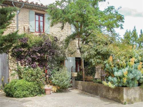 Two-Bedroom Holiday Home in Viens : Guest accommodation near Sainte-Croix-à-Lauze