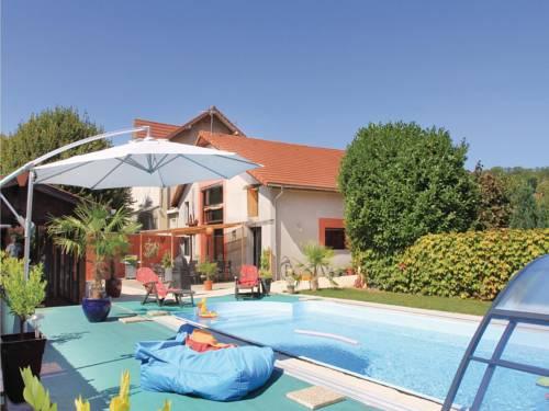 Holiday home Saint Jean de Moirans with Sauna 435 : Guest accommodation near Réaumont