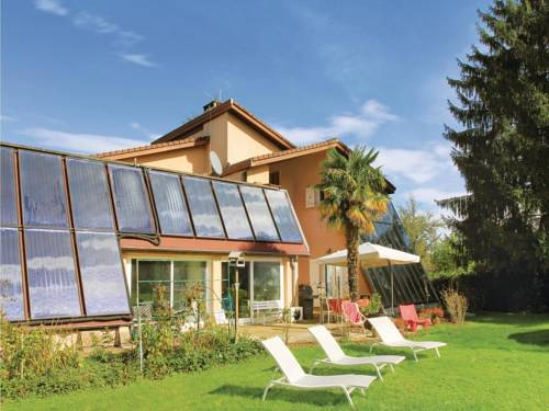 Holiday home St Etienne de St Geoirs with a Fireplace 436 : Guest accommodation near Eydoche