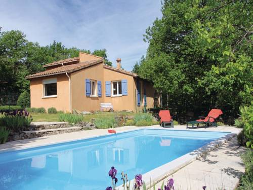 Holiday Home Mayres - 02 : Guest accommodation near Borne