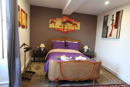 La maison du Docteur Bona : Guest accommodation near Saint-Marcel-en-Marcillat