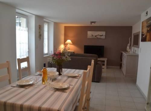 le val d'oré : Guest accommodation near Nérac