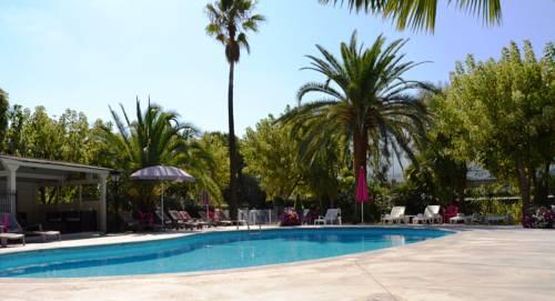 Servotel Castagniers : Hotel near Carros