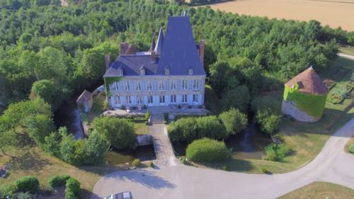 Château de Villiers : Bed and Breakfast near Sées