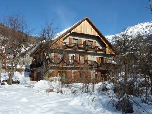 Chalet Solneige : Bed and Breakfast near Oz