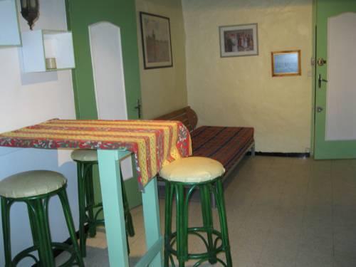 M.ROUSGUISTO PAUL** : Guest accommodation near Vence