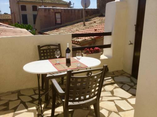 Le Petit Castel : Guest accommodation near Azillanet