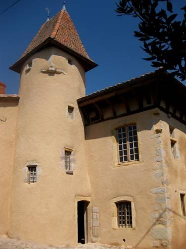 Manoir au sein du village : Guest accommodation near Châtelus