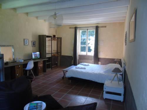 B&B La Cueille : Bed and Breakfast near Romagne