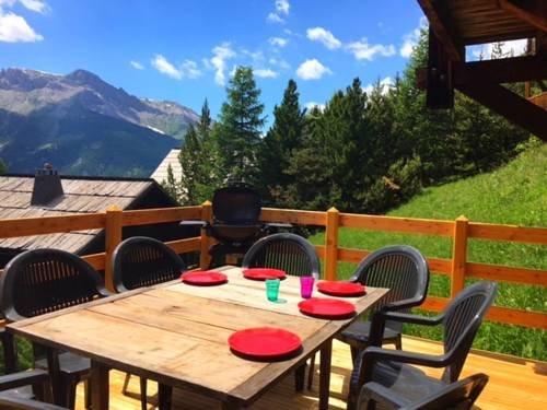 Chalet Lot Le coin : Guest accommodation near Molines-en-Queyras