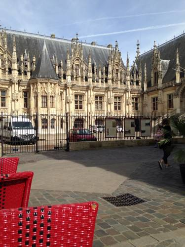 Les Initiés : Hotel near Rouen