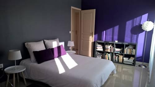 Chambre dans un duplex lumineux et spacieux : Guest accommodation near Rosny-sous-Bois