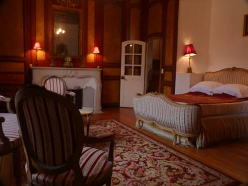 Chateau de la Grand Maison : Bed and Breakfast near Chemilli