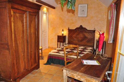 Chambre d'Hôtes Le Clos Mélusine : Bed and Breakfast near Thoury-Férottes