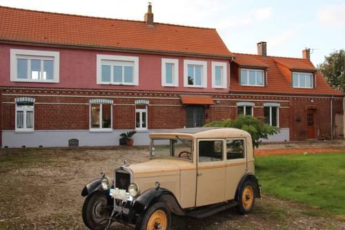 Ferme Du Pres Vert - Chambres d'hôtes B&B : Guest accommodation near Houlle