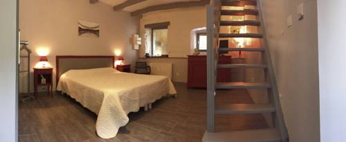 Les Figuiers : Bed and Breakfast near Silhac