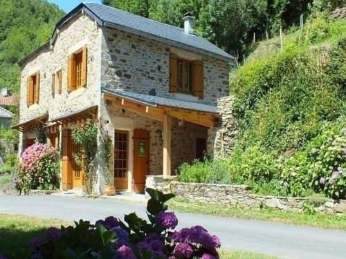 House La ragnié : Guest accommodation near Pousthomy