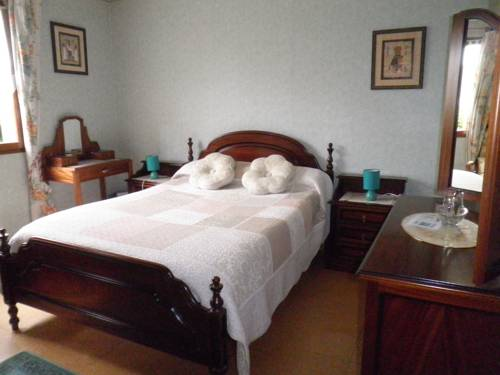 Chambres d'hôtes Les Nefliers : Bed and Breakfast near Pocé-sur-Cisse
