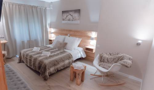 Hotel Les Flocons : Hotel near Saint-Christophe-en-Oisans