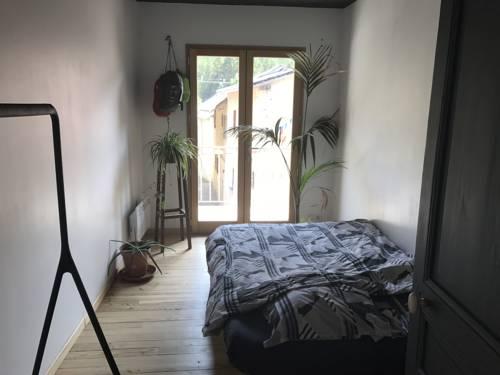 Chambre Privée chez l'habitant : Guest accommodation near Val-des-Prés