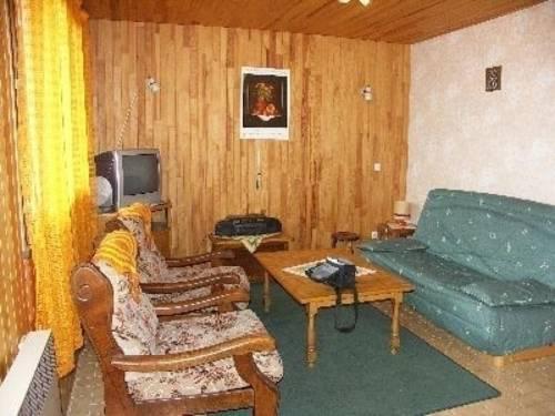 Apartment Rdc chalat 64 : Apartment near Villar-Loubière