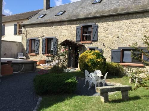 L'ESCALE DES HIRONDELLES : Guest accommodation near Fontaine-la-Rivière
