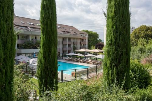 Résidence la Réserve Genève Ferney Voltaire : Guest accommodation near Prévessin-Moëns