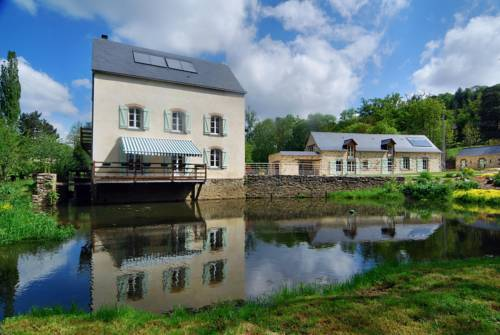 Le Moulin de Thuboeuf : Bed and Breakfast near Laval