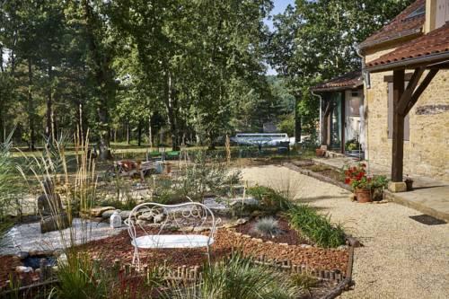 La Maison des Bois : Bed and Breakfast near Sainte-Alvère