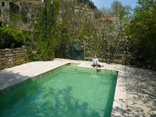 Holiday home Canabols : Guest accommodation near Avène