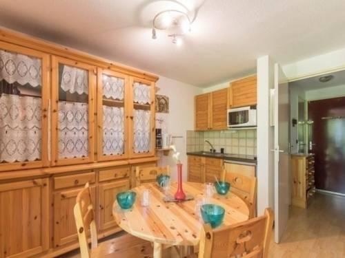 Apartment Orée du bois : Apartment near Puy-Saint-Vincent
