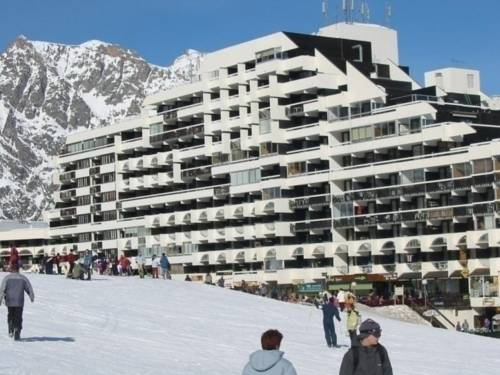 Apartment Cortina : Apartment near Puy-Saint-Vincent