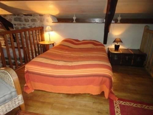 House Saint-perdoux - 10 pers, 400 m2, 4/3 1 : Guest accommodation near Saint-Perdoux