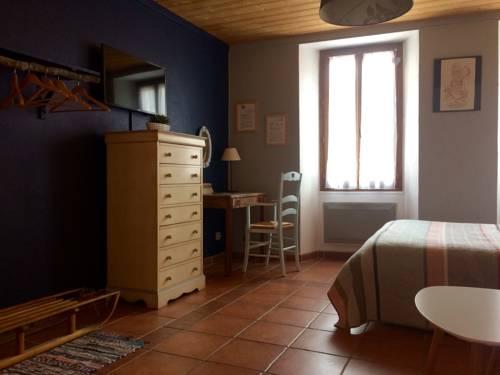 Les chambres du Presbytère du Val : Guest accommodation near Valdeblore