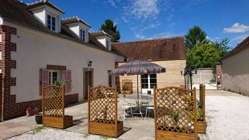 Le New Town : Guest accommodation near Berville