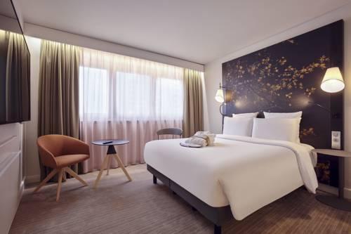 Mercure Paris La Défense : Hotel near La Garenne-Colombes