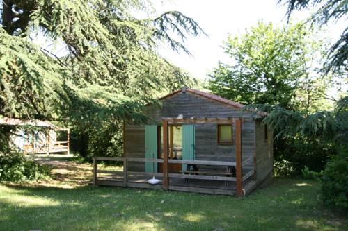 Les Chalets du Domaine des Soyeux : Guest accommodation near Saint-Jacques-d'Atticieux