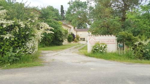 La chambre la Tricherie : Bed and Breakfast near L'Isle-Arné