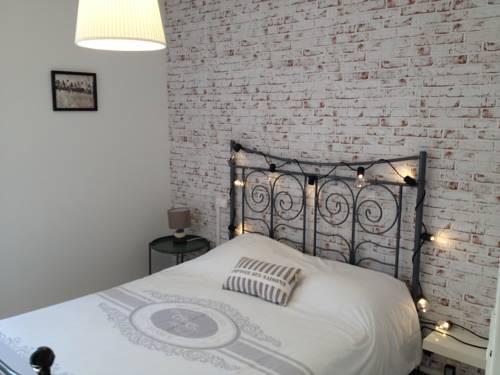 Au Vieux Lavoir : Apartment near Bouilhonnac