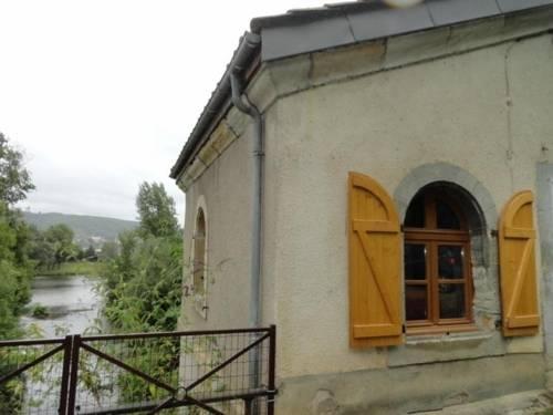 House Capdenac le haut : Guest accommodation near Felzins