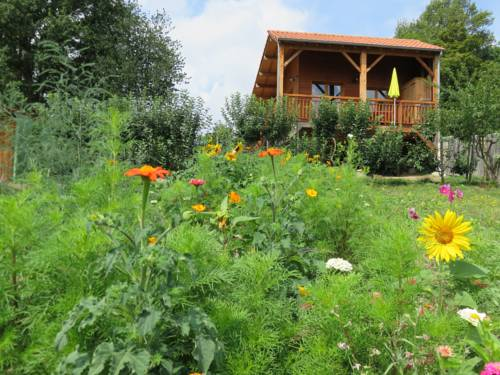 Gite Les Mathieux : Guest accommodation near Montmorin