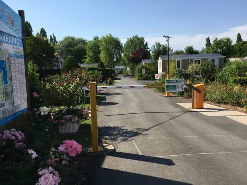 Le Camp des Roses : Guest accommodation near Lorgies