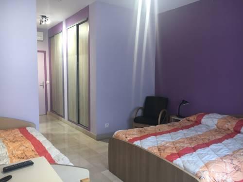 Résidence Universitaire Lanteri : Hotel near Bourg-la-Reine
