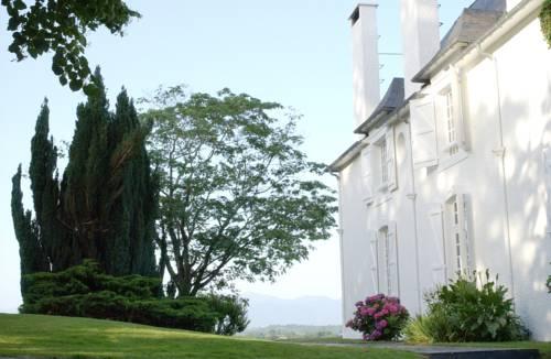 Clos Mirabel Manor - B&B : Bed and Breakfast near Saint-Faust