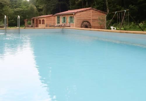 La Ferme du Lac : Guest accommodation near Saint-Estèphe