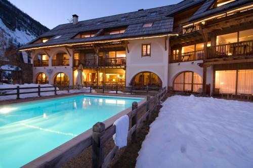 La Ferme de l'Izoard : Hotel near Arvieux