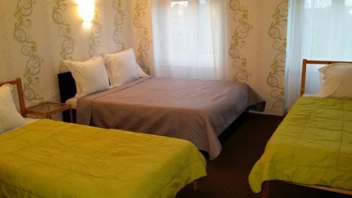 Les Closeaux Phil : Hotel near Saint-Clément-Rancoudray