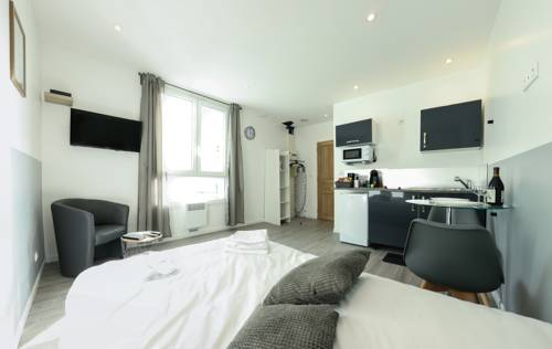 BtoBed - Paris Le Bourget : Apartment near Aulnay-sous-Bois