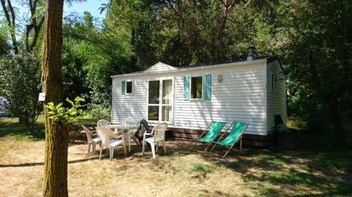 Camping Le Viaduc Ardèche : Guest accommodation near Bozas
