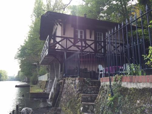 Chez Anne & Fred : Guest accommodation near Saint-Denis-en-Val